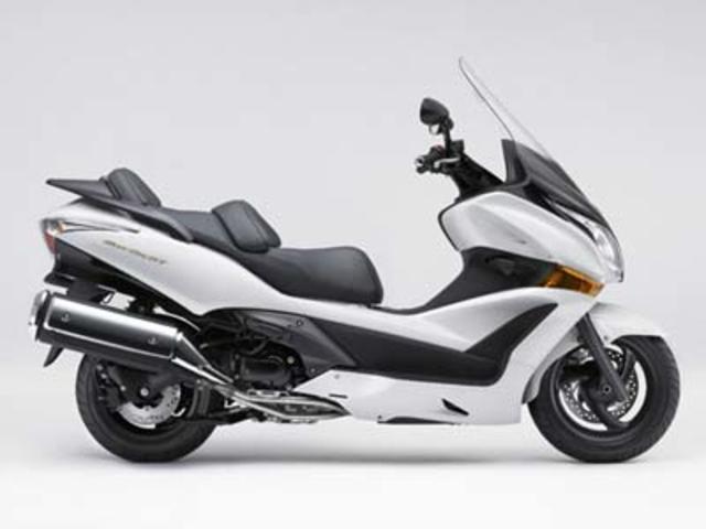 HONDA Silver Wing GT600 - Webike Indonesia