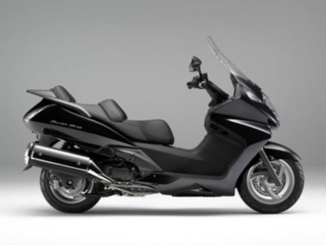 シルバーウイング600全年式・全型式