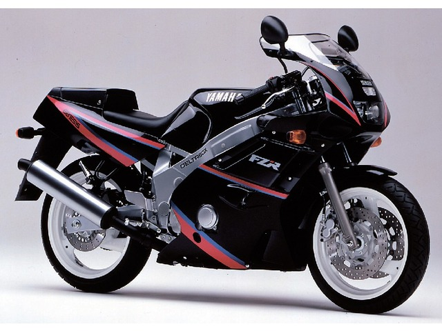 FZR600全年式・全型式