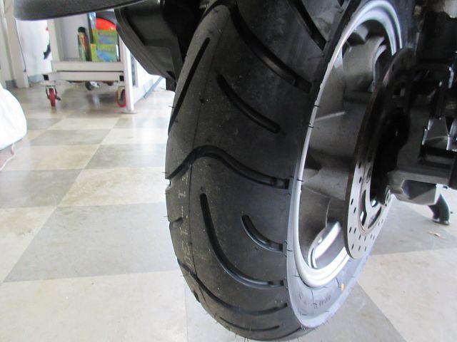 バーグマン200 リヤタイヤ新品 国内モデル