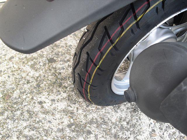 ディオ(4サイクル) インジェクション タイヤ前後新品