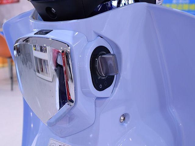 スーパーカブC125 発売当初のスタイルに現代の安全安心装備のニューエイジカブ!!