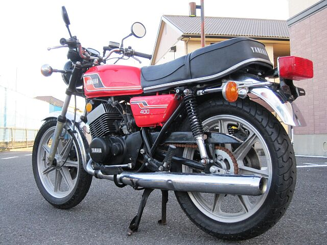 RD400 1976年モデル 車検令和4年7月まで付いています。 当店は国が認めた認証工場を完備して…