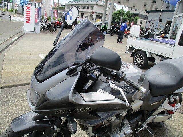 CB1300スーパーボルドール 大きいフロントカウルで高速も快適★