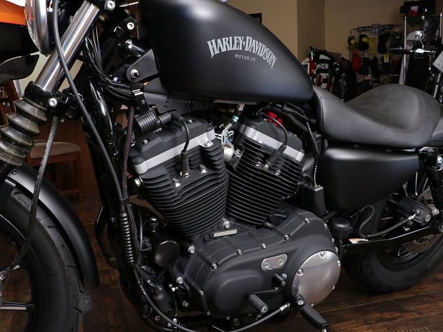 XL883N SPORTSTER IRON 人気のアイアン!