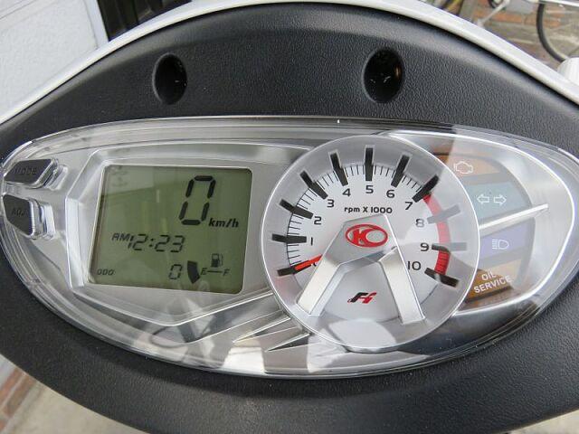 GP125i 普段使いにちょうどいいコンパクトスクーター 多機能デジアナメーター