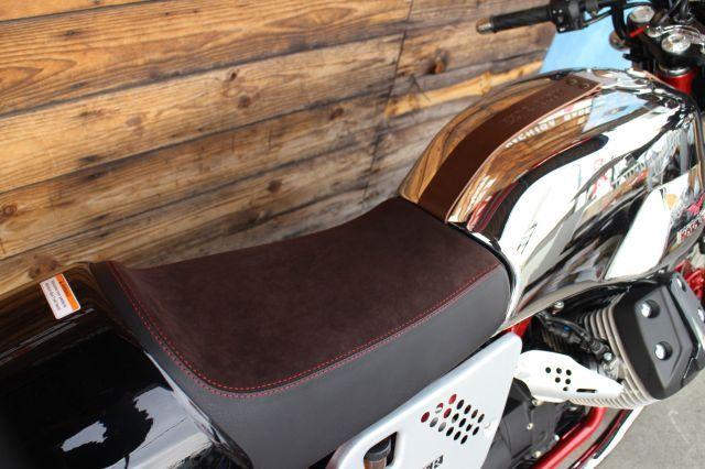 V7 Racer ご購入は正規ディーラーで