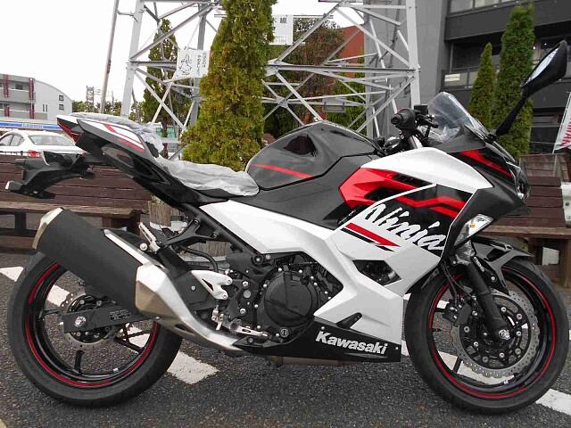 ニンジャ400 【新車在庫あり】即納可能です! Ninja400 1枚目【新車在庫あり】即納可能です…