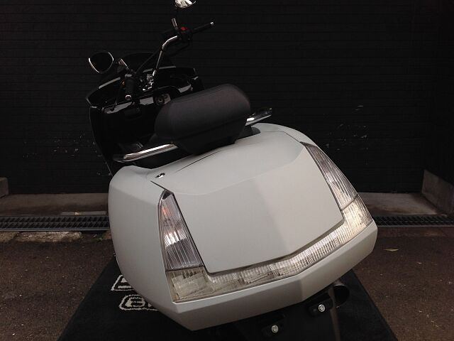 マグザム 関西最大級ビッグスクーター専門店!素敵な1台に出会えます! 展示車両も豊富でご納得の一台を…