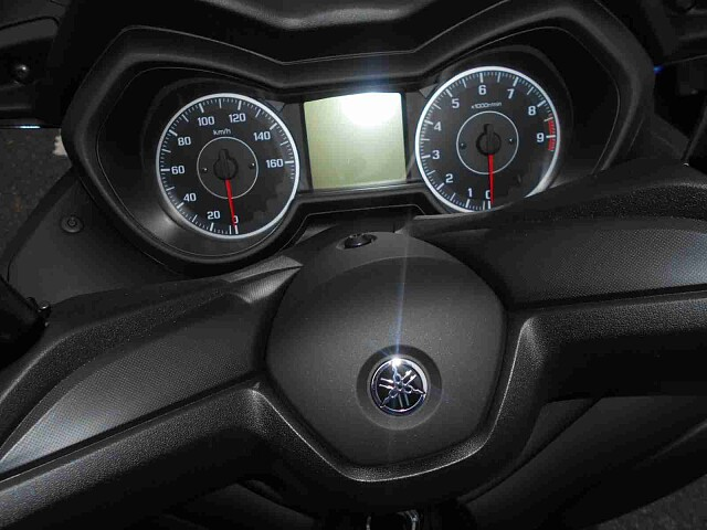 XMAX 250 【新車在庫あり】即納可能です! XMAX 4枚目【新車在庫あり】即納可能です! X…