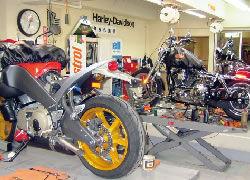 お客様のバイクをお好みにドレスアップ