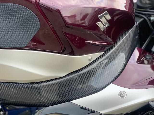 GSX-R1000 【カスタム多数!FRタイヤ交換サービス致します!】