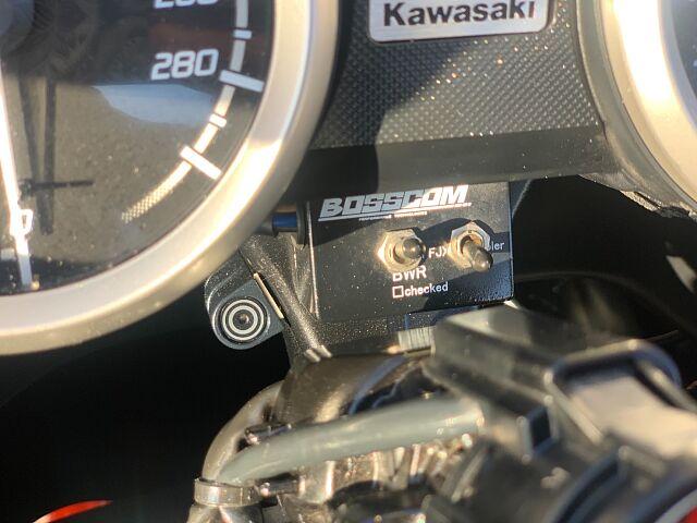ZX-14R 【カスタム総額65万円相当!無転倒!とっても綺麗です!】