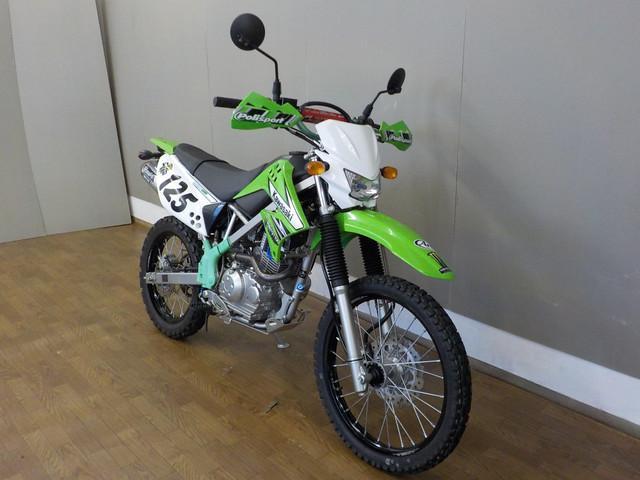 KLX125 KLX125 バレル4マフラー カスタム多数 全国のバイク王在庫 ご紹介できます!