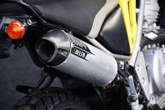 トリッカー ライトカスタム!遊べるバイク! デルタ、バレル4のスリップオンサイレンサーで音も拘る。