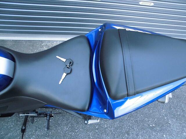 YZF-R25 ABS!認定マフラー他ライトカスタム車!