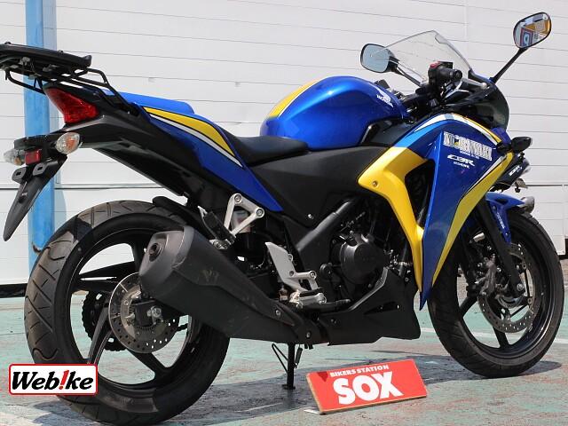 CBR250R (2011-) 600台限定カラー リアキャリア 2枚目600台限定カラー リアキャ…