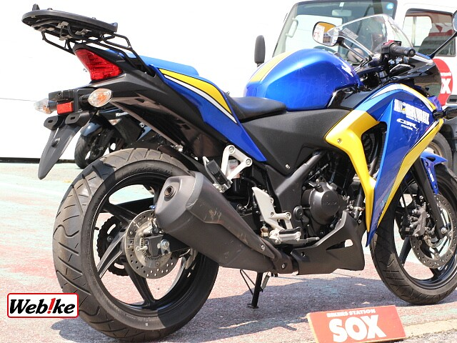 CBR250R (2011-) 600台限定カラー リアキャリア 5枚目600台限定カラー リアキャ…