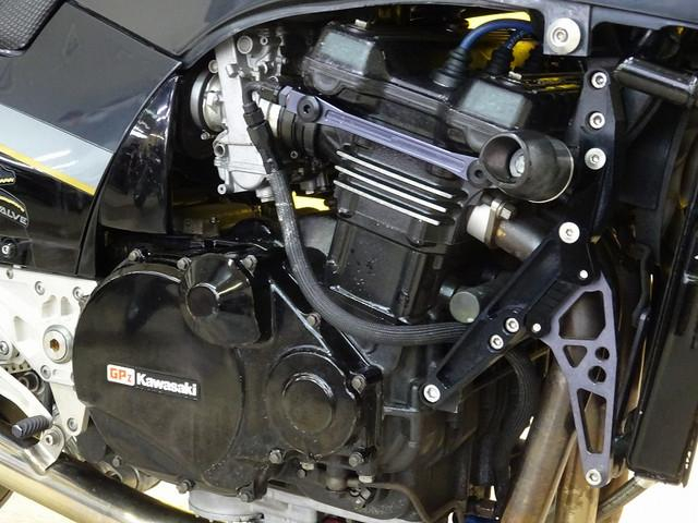 GPZ900R GPZ900R リアオーリンズサス・キャブ・ホイール等カスタム多数 外装程度良好です…