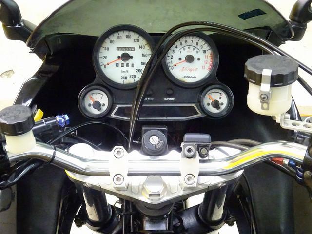 GPZ900R GPZ900R リアオーリンズサス・キャブ・ホイール等カスタム多数 バイク王といえば…