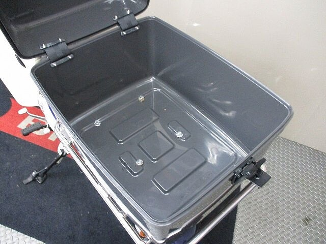 スーパーカブ50 C50-3 フロントバスケットカバー・リアボックス装備!低走行… 8枚目:C50-…