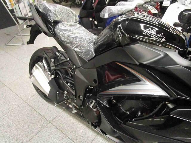 ニンジャ1000 (Z1000SX) 【新車在庫あり】即納可能です! Ninja1000ABS 4枚…