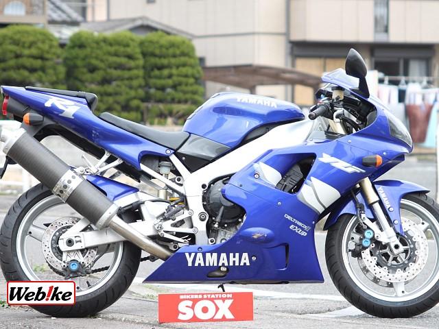 YZF-R1 1枚目
