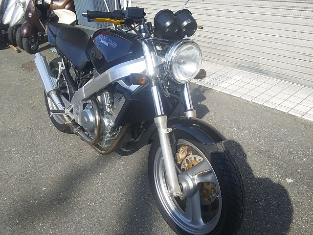 ブロス400
