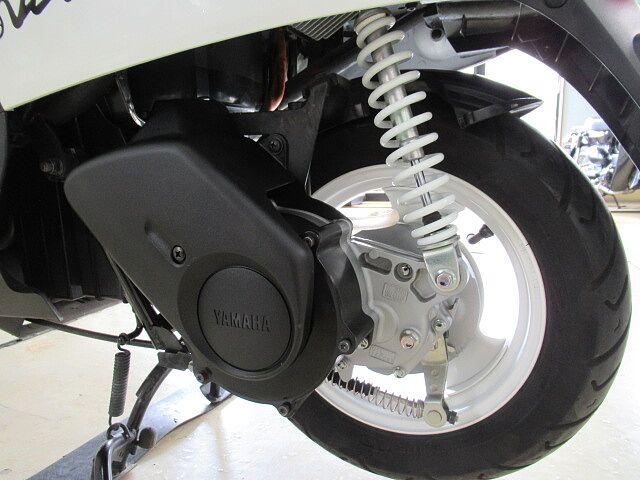 E ビーノ (電動バイク) 走行少ない。GIVIのボックス、予備バッテリー1個付き。