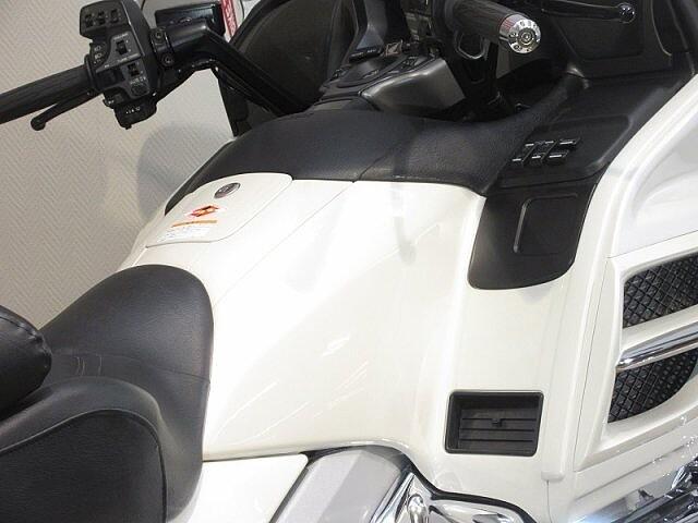 ゴールドウイング GL1800 ノーマル車両! 走行距離5997km! 2007… 9枚目:GL18…
