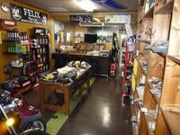 ■店内アパレル、用品多数在庫
