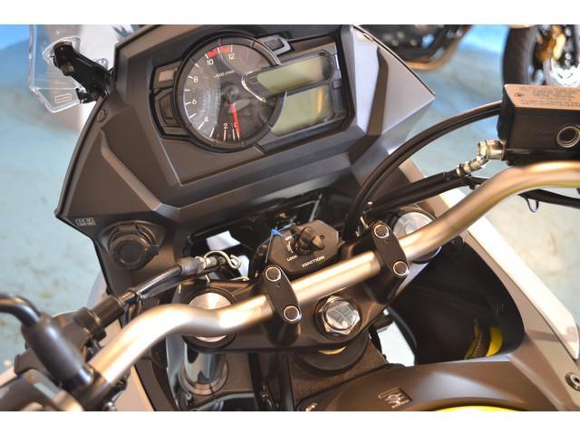 Vストローム650 V-ストローム650 最新モデル トラコン・12ボルト電源装備