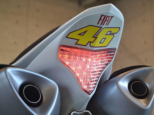 YZF-R1 プレスト正規 クロスプレーンモデル スライダー 社外ステップ