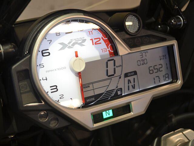 S1000XR アクラポマフラー等オプションパーツ多数!