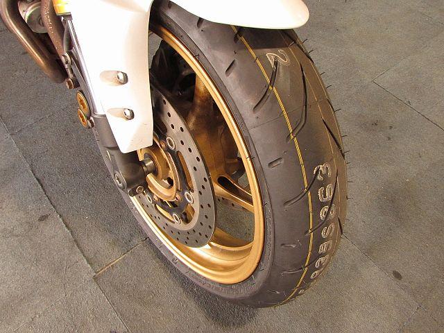 FZ8 【ミドルファイター】タイヤ前後新品・FZ8フェザー!
