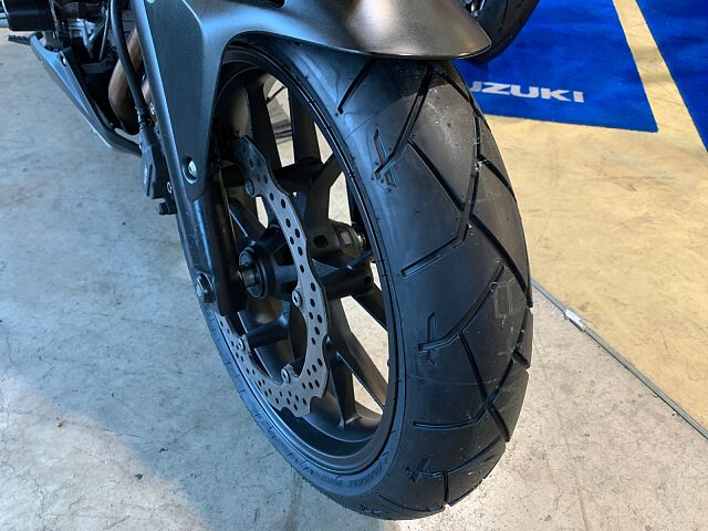 400X タイヤ前後新品!