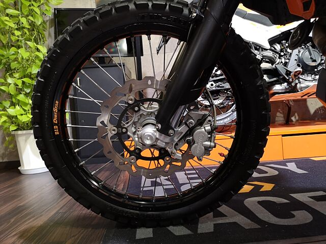 690ENDURO R 遠くの林道を走ってくることが出来るバイク