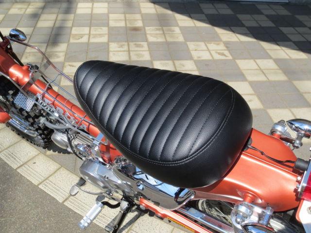 スーパーカブ50 DOPEでPOPなカスタムカブ♪ オリジナルソロシート装着!