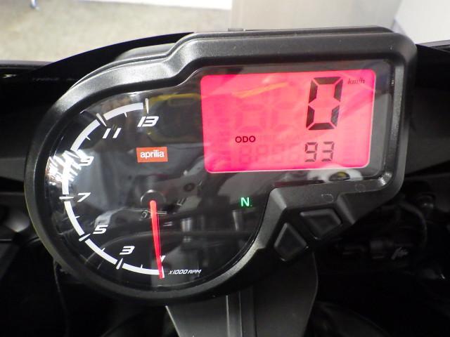 RS4 50 RS4 50 OVER製エンジンスライダー装備 2ストローク単気筒EG メーター表示距…