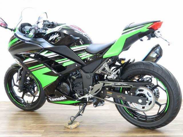 ニンジャ250 Ninja 250 ABS ヨシムラサイレンサー ヘルメットホルダー付き 面倒見のい…