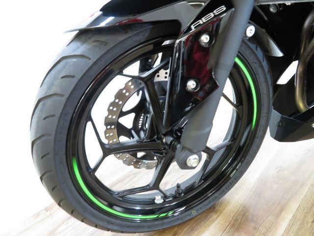 ニンジャ250 Ninja 250 ABS ヨシムラサイレンサー ヘルメットホルダー付き 追加写真・…
