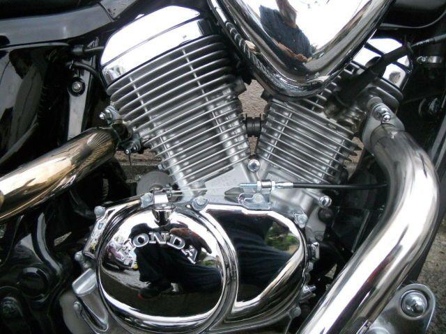 スティード400 ピカピカのライトカスタムスティード エンジンメッキもとてもキレーです。