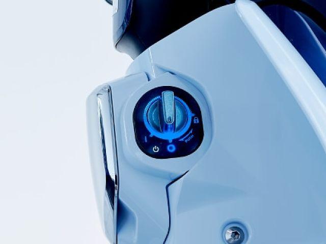 スーパーカブC125 新色・パールカデットグレー