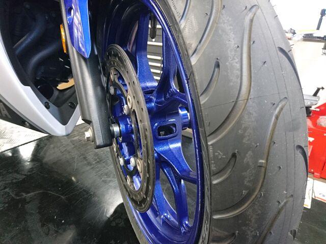 YZF-R25 SPタダオマフラー・フェンダレスKIT Fタイヤ・ブレーキパッド交換済み