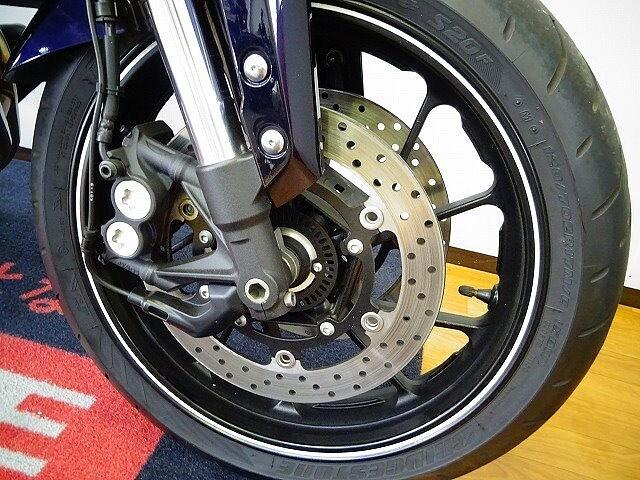 MT-09 MT-09 ABS スライダー スクリーン 7枚目:MT-09 ABS スライダー スク…