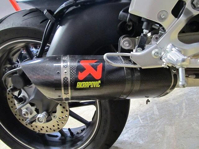 MT-09 MT-09 ABS 【マル得】 アクラボビッチマフラー装備! 9枚目:MT-09 ABS…