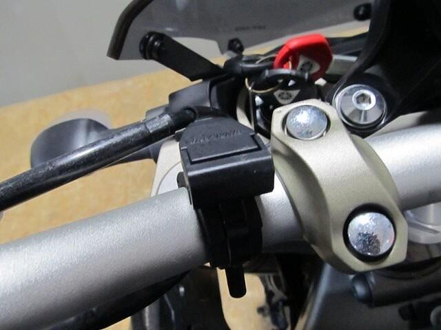 MT-09 MT-09 ABS 【マル得】 アクラボビッチマフラー装備! 10枚目:MT-09 AB…
