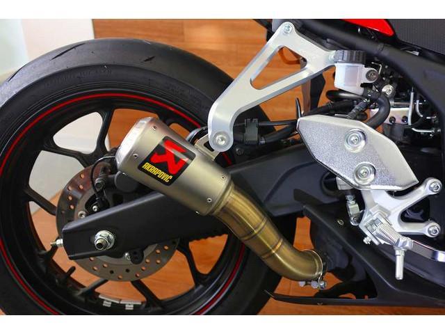 YZF-R3 YZF-R3 ABSモデル アクラボマフラー エンジンスライダー アクラボマフラー