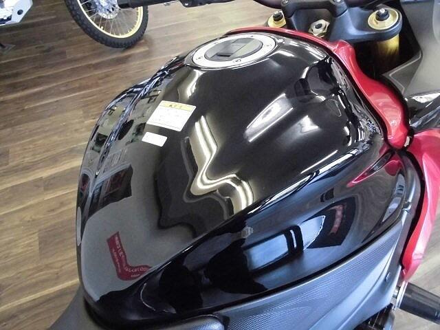 GSX-S1000F GSX-S1000F 高速やワインディングが楽しくなるバイクで… 9枚目:GS…