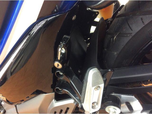 GSR250 GSR250 エンジンガード付属 便利なヘルメットホルダー付属